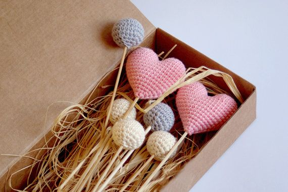 Crochet hearts bouquet (set of 2 hearts/5 balls) - Ivory, Grey balls, Pink hearts - Crochet wedding decorations - Birthday table decoration