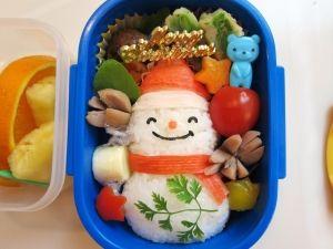 クリスマス☆簡単!サンタさんの雪だるま弁当☆ by コロりポックル|簡単作り方/料理検索の楽天レシピ