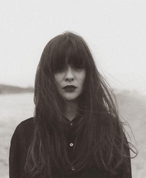 fringe + long hair + noir lips