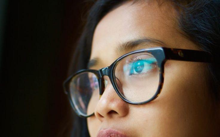Perfektné triky pre ľudí s okuliarmi: VIDEO Zahmlené sklíčka vás už nebudú trápiť