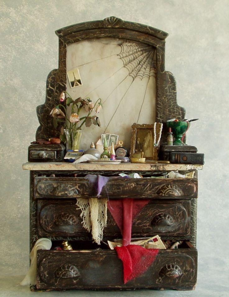 Haunted Dollhouse Decorating Ideas