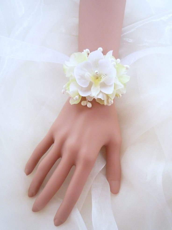 les 25 meilleures id es de la cat gorie orchid e blanche sur pinterest bouquets de mariage d. Black Bedroom Furniture Sets. Home Design Ideas