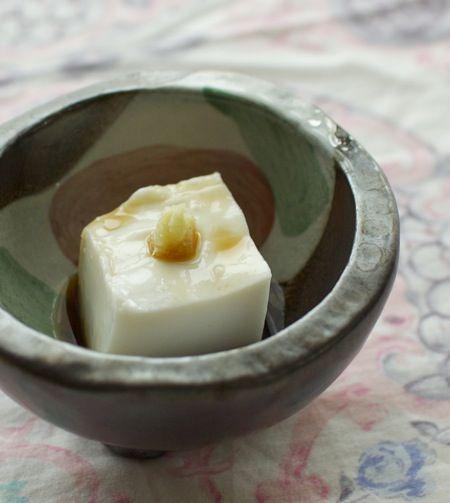 沖縄 ジーマーミー豆腐 ピーナッツ豆腐 ヴィーガン レシピ もちもち感と甘いタレが美味しい一品 Peanut tofu recipe