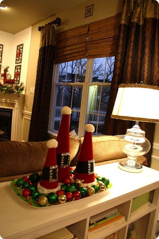 cute: Christmas Table Decorations, Santa Hats, Thrifty Decor, Christmas Centerpieces, Christmas Decorations, Windows Treatments, Santa Trees, Holiday Decor, Tables Decor