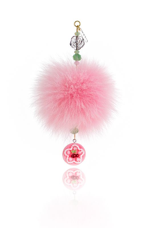 Pompon Mobile Charm with 7cm pink real fox fur, mobile clip, crystal beads and decorative elements. Price: 21.00E