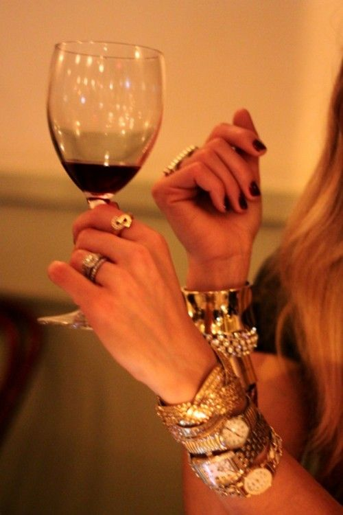redStyle, Real Beauty, Nyfw Image, Real Beautiful, Beautiful Nyfw, Accessories, Watches, Arm Candies, Red Wines