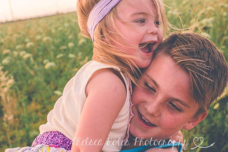 Family photography ideas, desert photography, Surprise Arizona, urban photo ideas, brotherly love, sisterly love, brother and sister photo ideas, Chelsea Roles Photography