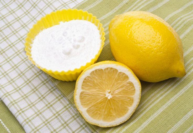 Scrub con bicarbonato e limone per i punti neri