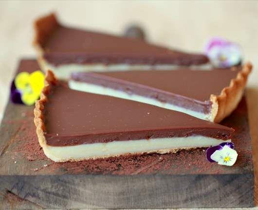 Tarta de chocolate blanco y chocolate con leche