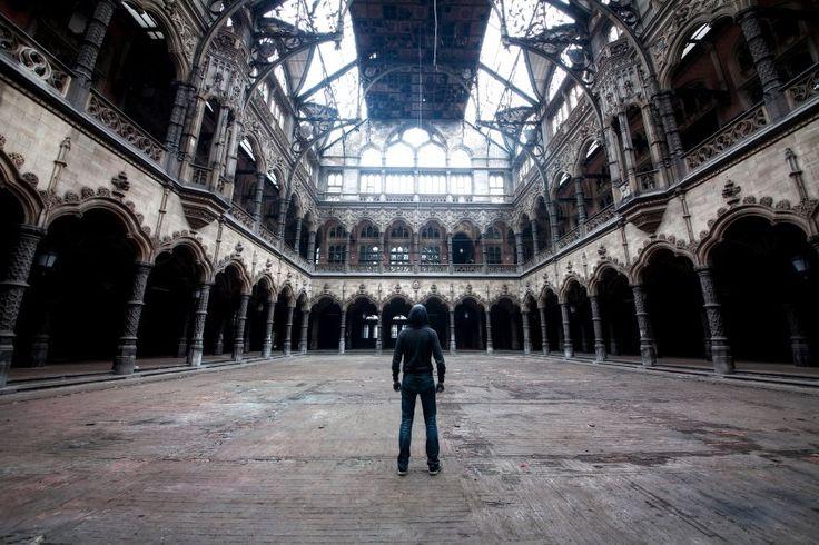 """Das verlassene Gebäude der Handelskammer in Belgien. """"Ich bin nachts hinein..."""