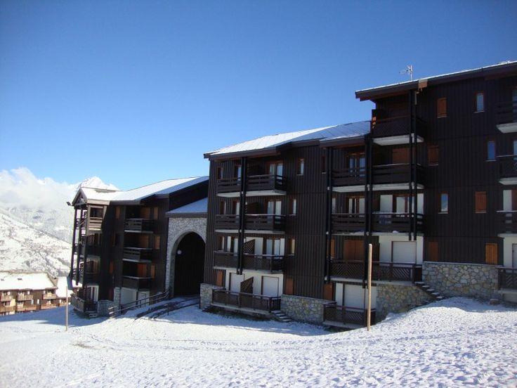 Apartment for sale in LA PLAGNE - Savoie - Ski in Ski out 1 bedroom Apartment. Piste Side Balcony. Montalbert, La Plagne, Paradiski. France REF: 58857DC73 | [12568] http://leggettfrance.com