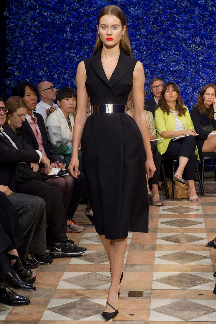 Christian Dior Fall 2012 Couture - Review - Fashion Week - Runway, Fashion Shows and Collections - Vogue