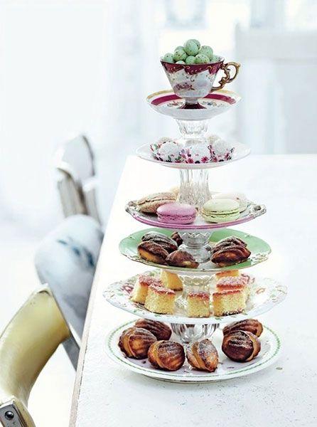 plateau à cupcakes fait avec des assiettes décoratives, Pinterest