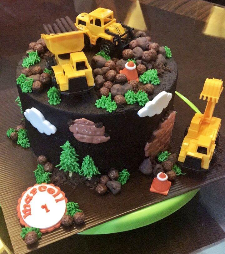 #constructioncake #birthdaycakeideas #truckcake