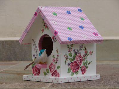 Bell'Arte - Arte em madeira e tecido: Casinha de Passarinho Floral Rosa Tam. P