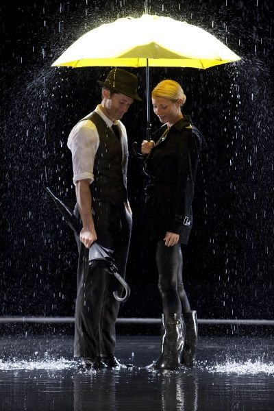 Singin in the Rain - Glee style - gotta throw some Glee in somewhere.  Love me some Singing in the Rain.  Ahh Gene Kelly you were amazing