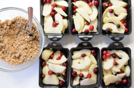 Pear, cranberry, ginger snap crumble. Recipe at http://smittenkitchen ...