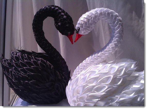 Мастер-класс канзаши. Прекрасные лебеди из атласных лент