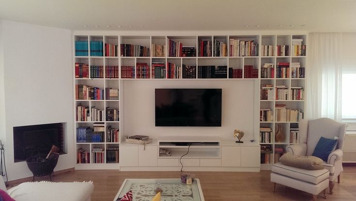 Custom made Built in Bookcase #elenaarsenoglou #beyonddecoration #furniture #bookcase #books #tvroom #livingroom #fireplace #relaxing