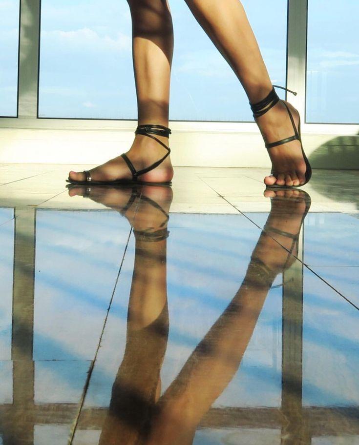 minimal barefoot sandals by moin yamina