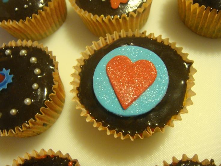 Rainbow cupcakes with fondant heart