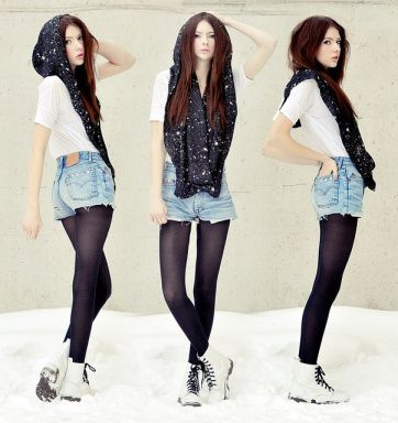 White Dr. Martens & how to create a circle scarf