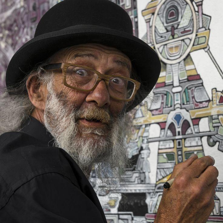 Fremantle street artist by Remco van Santen on 500px