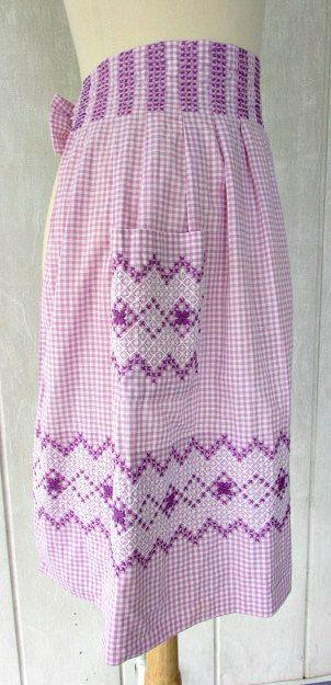 Vintage 50s moña lavanda Cruz cosida medio delantal hecho a