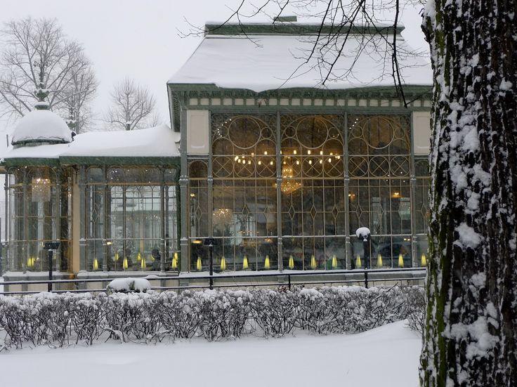 Cafe & Restaurant Kappeli in Helsinki since 1867 (photo by Jill Browne)