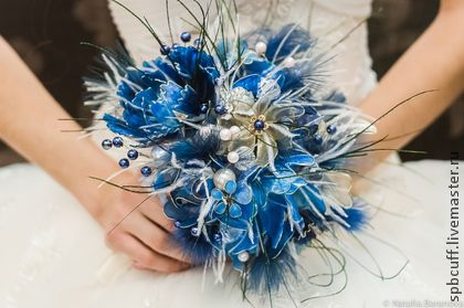 Букет невесты `Синяя птица`. Оригинальный 'хрустальный' букет невесты. Все цветы выполнены вручную по достаточно сложной уникальной технологии, повторить букет невозможно. #EstellePhoto