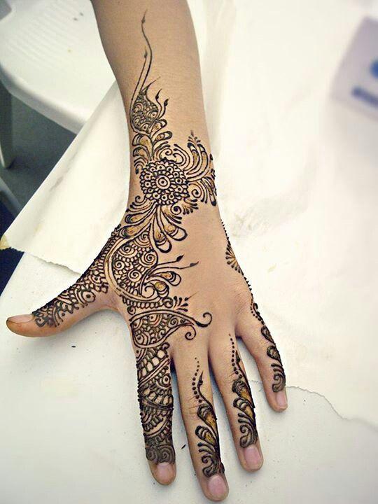 Les 18 meilleures images du tableau henne main sur pinterest henn main mod les de henn et - Modele de henna ...