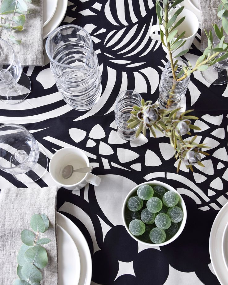 Kattaus / Table Setting, Marimekko