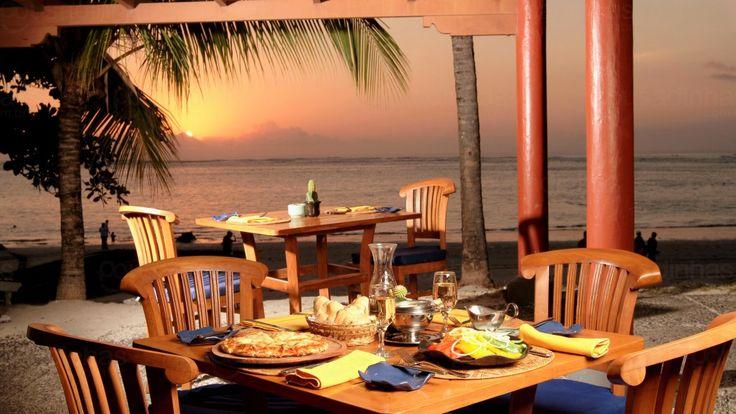 Para aproveitar bem as suas férias é preciso também saber os melhores lugares para fazer as suas refeições na cidade. Pensando nisso fizemos uma lista de onde comer em Arraial d'Ajuda. Confira agora!
