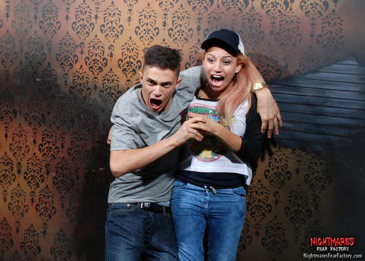 Best Roller CosterHaunted House Reactions Images On Pinterest - 22 side splitting haunted house reactions