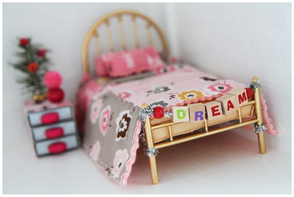 Dollhouse BedroomDiy Dollhouse, Dollhouse Bedrooms, Diy Crafts, Dollhouse Challenges, Bedrooms Preview, Creative Salad, Diy Miniatures Dollhouse, Dollhouse Furniture, Dollhouse Miniatures