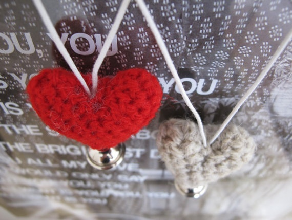 Jingle Heart Necklace Special Valentine by yorokobiness on Etsy, €15.00