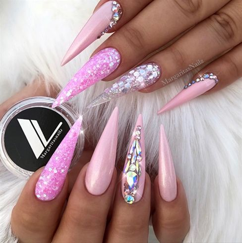 Baby Pink Glitter Bling Stiletto Nails door MargaritasNailz #AcrylicNailsGlitter – Nageldesign