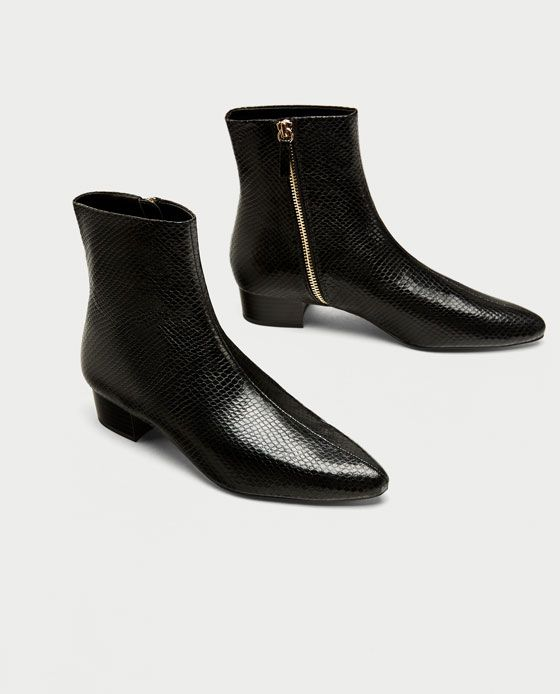 ZARA - WOMAN - FLAT EMBOSSED ANKLE BOOTS