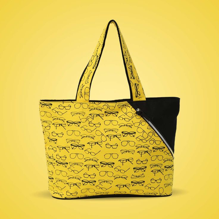 Do you believe that geek is the new chic? If yes, buy our spects bag and set new rules in fashion!