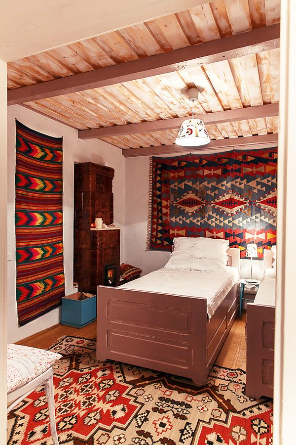 Romanian Traditional House/ Rustic bedroom/ Georgescu www.romaniasfriends.com