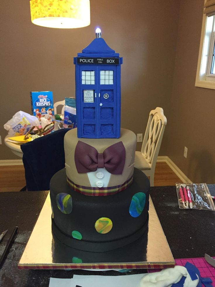 This Doctor Who Tardis Cake Is Tastier On The Inside