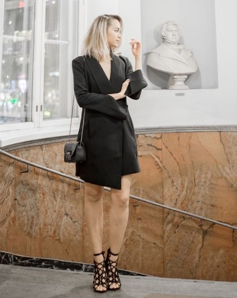 Blogger @kriselda looks breathtaking in Fairytale Suede Black at The Blog Awards Finland!