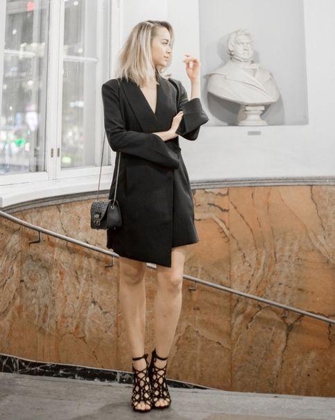 Blogger @kriselda looks breathtaking in Fairytale Suede Black at The Blog Awards Finland!