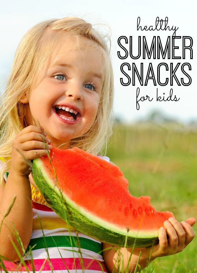 10 healthy summer snacks for kids. Prep these on the weekend, and you'll be ready for to snack on the go (or at home) all summer long. I especially love #9!: Power Ball, Weightloss Healthyliv, For Kids, The Weekend,  Popsicles,  Lollipops, Ice Lolly, Healthy Summer Snacks, Boys Baby