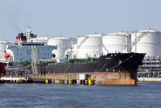 United States oil import from Nigeria drops to 4.7 mb   The United States (U.S.) crude oil import from Nigeria has declined from the 10.125 million barrels it recorded in April to 4.755 million barrels in May.This is because the U.S. has also begun exporting crude oil to other countries since the removal of restrictions.  Emphatically the number of countries receiving exported U.S. crude oil has risen since its removal in December 2015. Statistics from the Nigerian National Petroleum…