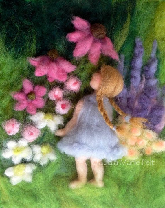 Needle Felted Girl in Flower Garden 3D por ClaudiaMarieFelt en Etsy