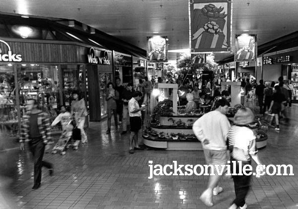 regency mall circa 1980 39 s wicks and sticks on the left an awesome candle shop where my mother. Black Bedroom Furniture Sets. Home Design Ideas