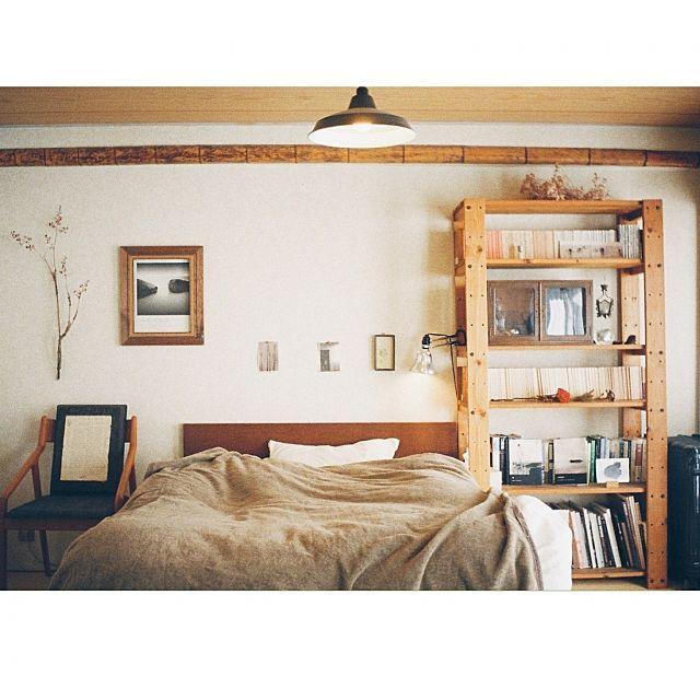 男性で、1LDKの寝室/植物/照明/TRUCK FUNITURE/TRUCK/本棚…などについてのインテリア実例を紹介。「リコーオートハーフという、古いハーフサイズのフィルムカメラで撮影。」(この写真は 2015-02-03 00:46:53 に共有されました)