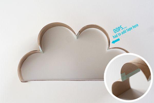 Upcycled Cloud Shadowbox | Hellobee, craft, recycle, children, elementary school, toiletpaper roll, stamping, card making, knutselen, kinderen, basisschool, diorama of wolk van wc-rol, toiletpapier rol