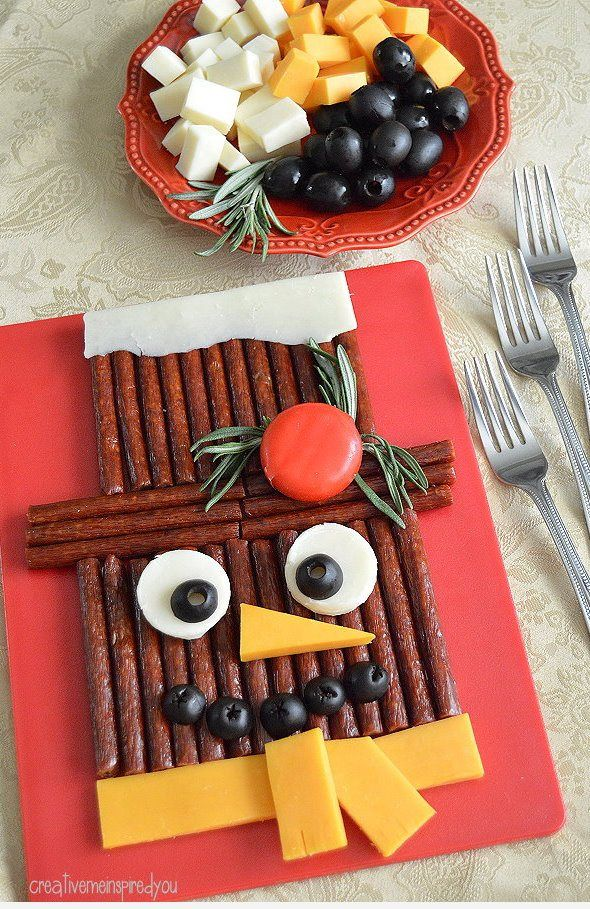 Snap into a Snowman #ad #walmart #SlimJimYourHoliday Slim jims, snacks, sausage, party tray, party snacks, holiday, christmas, holiday party, christmas party, cheese and sausage, food tray, snowman, food design, cute food, fun food, kids, mom, dad, family, gatherings, foodie, snacks, dinner, buffet, appetizers,